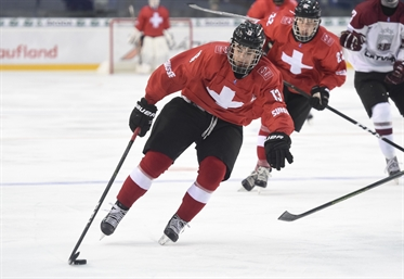 Hischier preps for draft