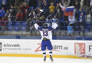 Slovaks win, Russia next